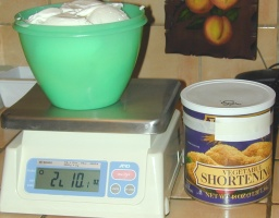 38 Ounces of Vegetable Shortening